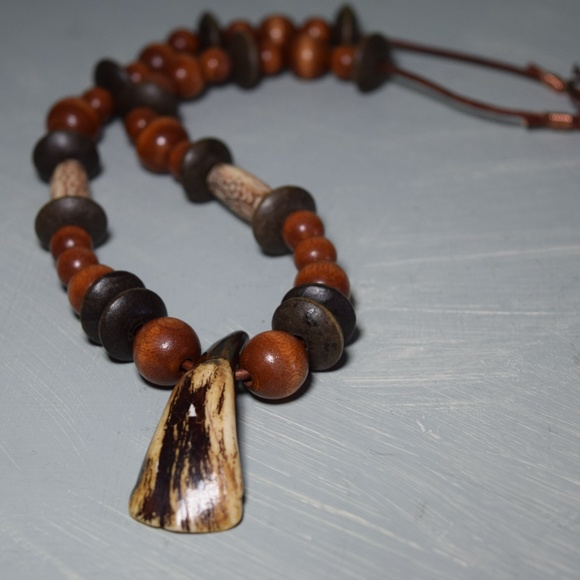 Mens Bear Claw Wood Bead Necklace